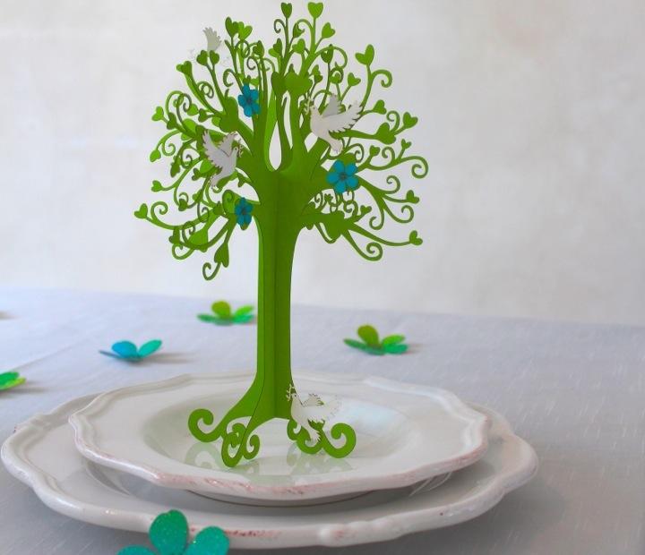 tischdeko taufe herzbaum mit taube in maigr n tischdeko. Black Bedroom Furniture Sets. Home Design Ideas