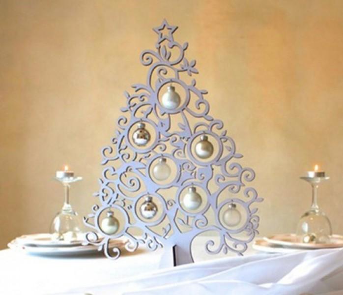 weihnachtsdeko christbaum silber glanz mit 8 kugeln aus glas. Black Bedroom Furniture Sets. Home Design Ideas